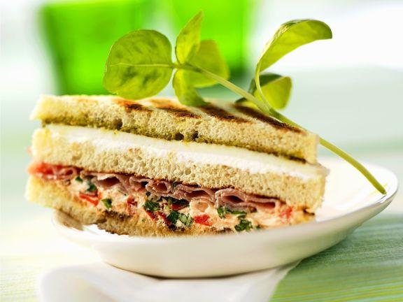 Parmaschinken-Käse-Sandwich