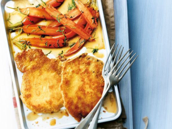 Parmesanschnitzel mit Möhrengemüse