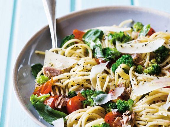 Pasta mit Brokkoli und Thunfisch
