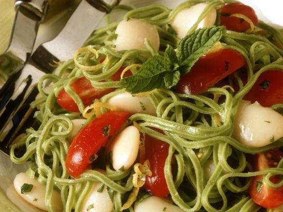 Pasta mit dicken Bohnen und Tomaten