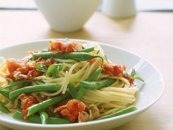 Pasta mit grünen Bohnen und Tomaten