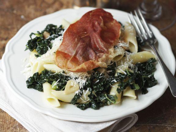 Pasta mit Grünkohl und Parmaschinken