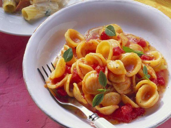 Pasta mit kalter Tomatensoße
