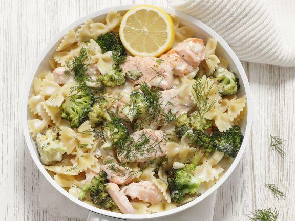 Pasta mit Lachs-Brokkoli-Soße