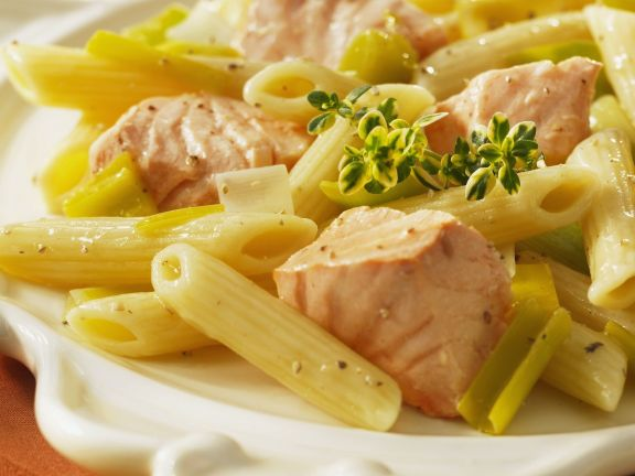 Pasta mit Lachs-Lauch-Soße