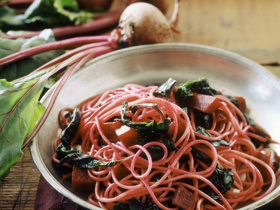 Pasta mit Mangold und Roter Bete