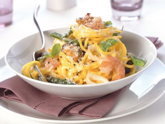 pasta mit meeresfr chten und parmesan rezept eat smarter. Black Bedroom Furniture Sets. Home Design Ideas