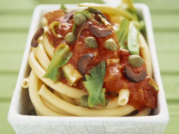 Pasta mit pikanter Tomaten-Löwenzahn-Soße