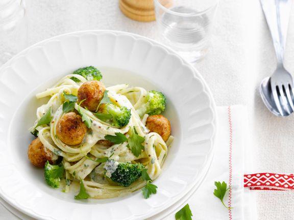 Pasta mit Puten-Hackbällchen und Brokkoli