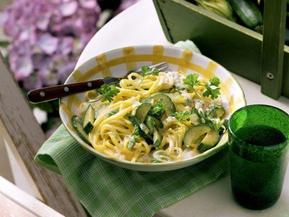 pasta mit zucchini sahneso e rezept eat smarter. Black Bedroom Furniture Sets. Home Design Ideas