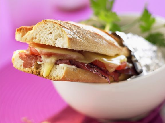 Pastrami-Käse-Sandwich