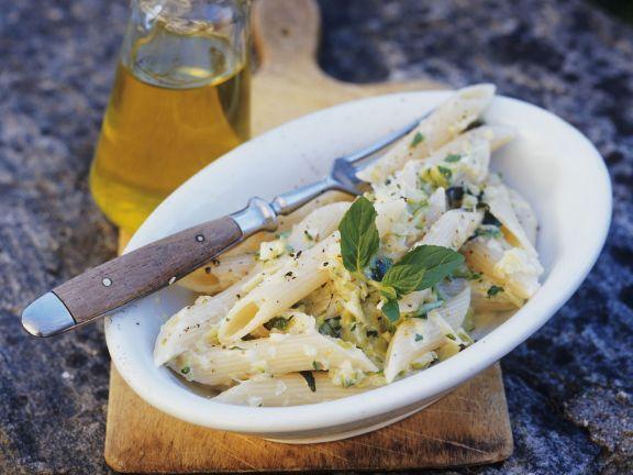 Penne mit Zucchini und Käsesauce