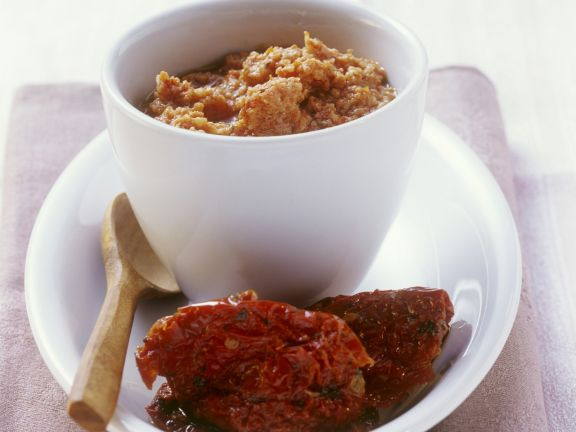 Pesto aus getrockneten Tomaten