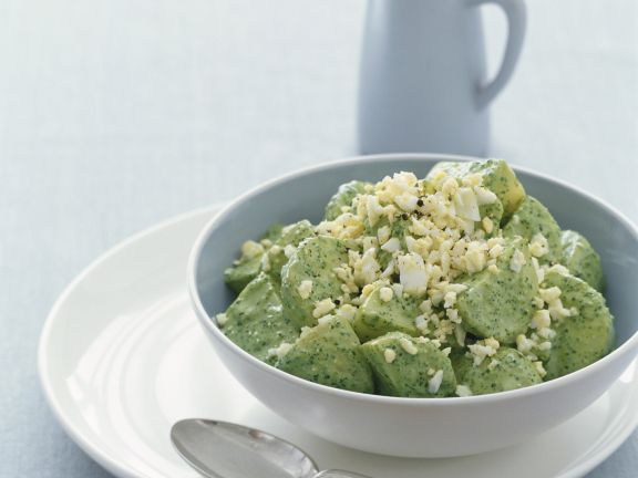 Pesto-Kartoffelsalat mit Ei