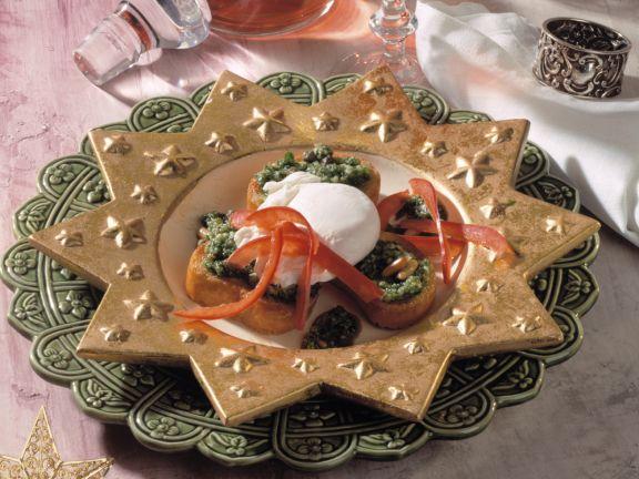 Petersilien-Crostini mit pochiertem Ei