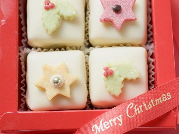 Petit Fours zu Weihnachten