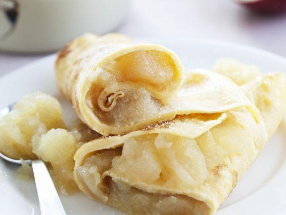 Pfannkuchen mit Apfel-Füllung