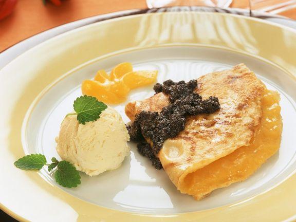 Pfannkuchen mit Aprikosenfüllung