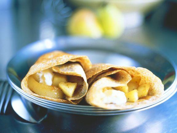 Pfannkuchen mit Birnenfüllung