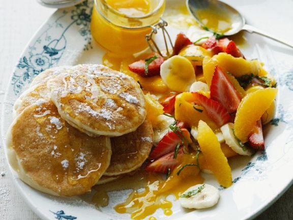Pfannkuchen mit Früchten