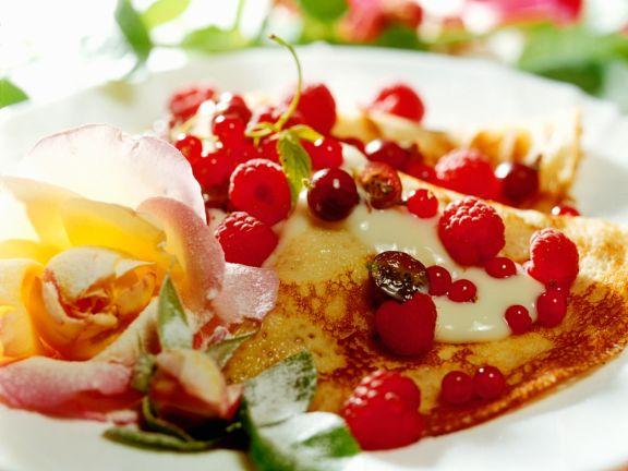 Pfannkuchen mit kandierten Blüten