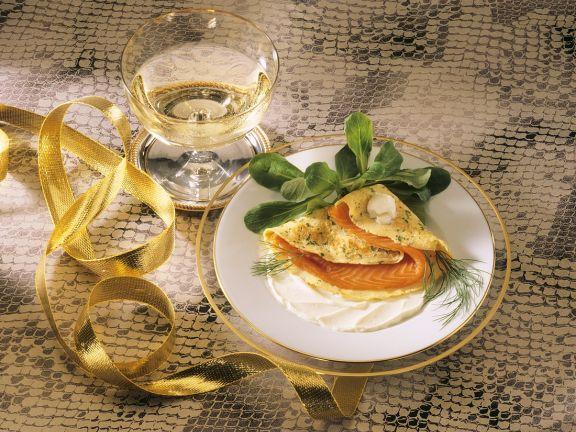 Pfannkuchen mit Lachsforelle gefüllt