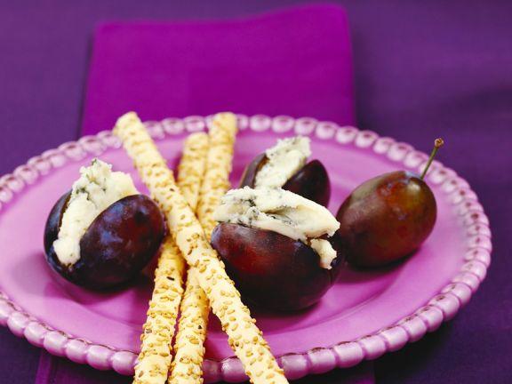 Pflaumen mit Käse und Honig