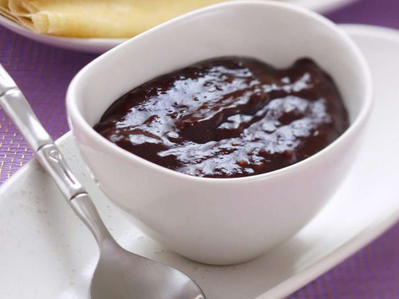 Pflaumenmarmelade mit Kakaopulver