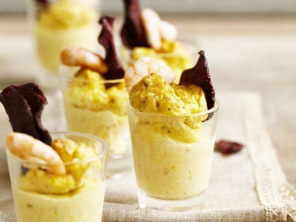 Pikanter Flan mit Shrimps und frittierten lila Kartoffeln