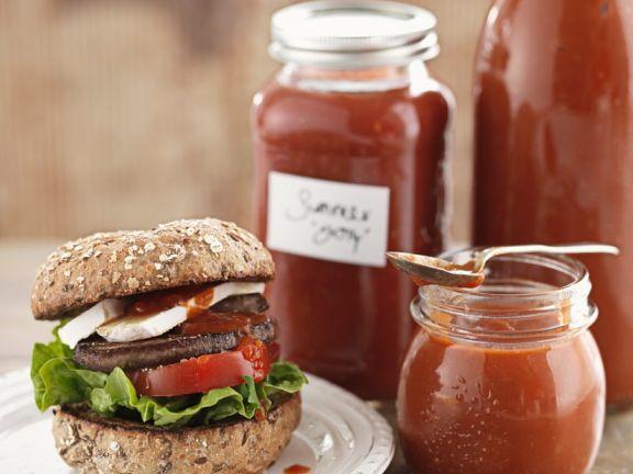 Pilzburger mit Camembert und Tomatendip