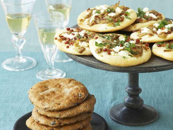 Pilzpizzette und Brotfladen aus der Provence