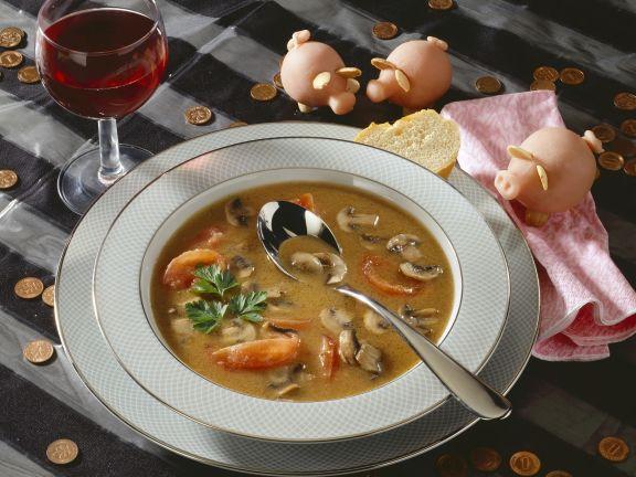 Pilzsuppe mit Tomaten