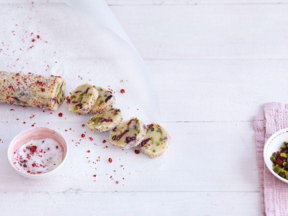Pistazientaler mit rosen Pfefferbeeren