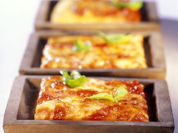 Pizza Margherita-Schnitten