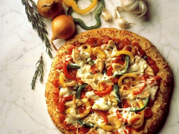 Pizza mit Hähnchen und Paprika