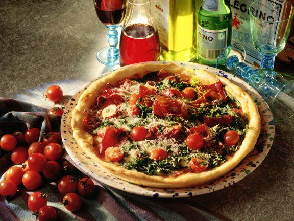 Pizza mit Rauke und Bündner Fleisch