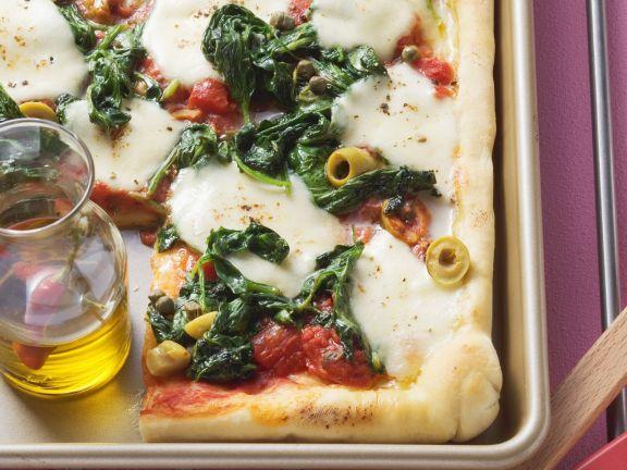 pizza mit spinat rezept eat smarter. Black Bedroom Furniture Sets. Home Design Ideas