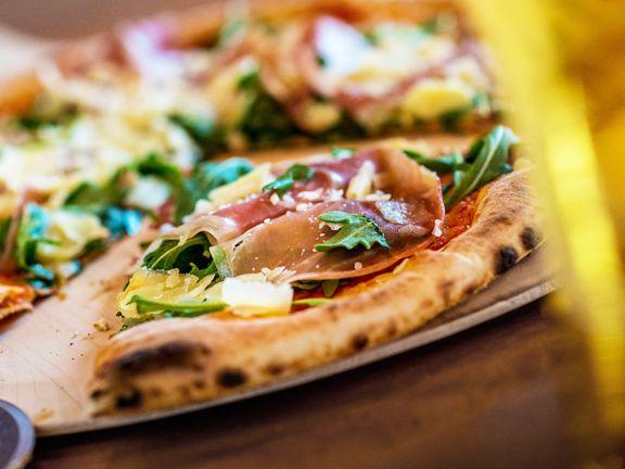 Pizzastein Der Italo Klassiker Aus Dem Ofen Eat Smarter