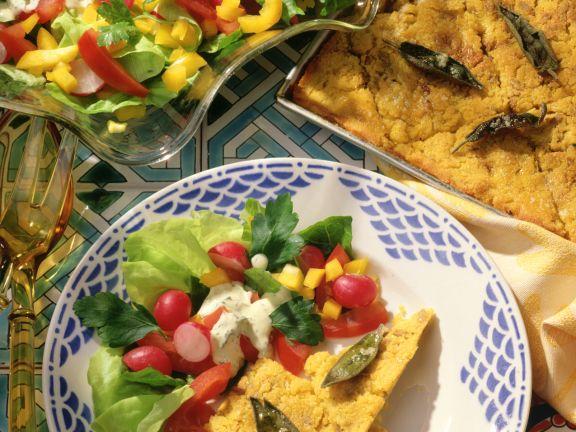 Polentaschnitten mit Salat