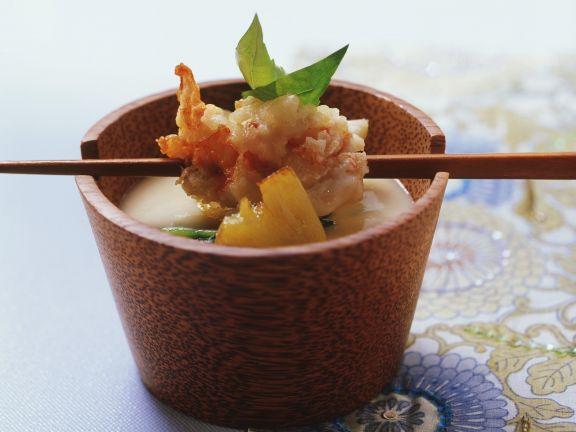 Polentasuppe mit Languste in Mandelteig frittiert (Tempura)