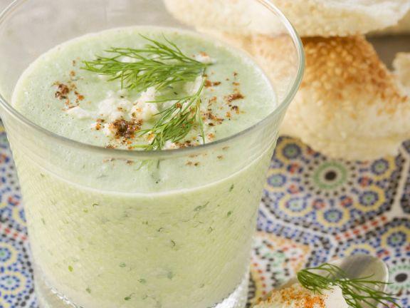 Porreesuppe mit Dill und Paprika