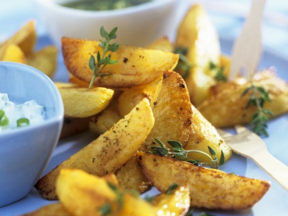 Potato Wedges mit Joghurtdip und Guacamole