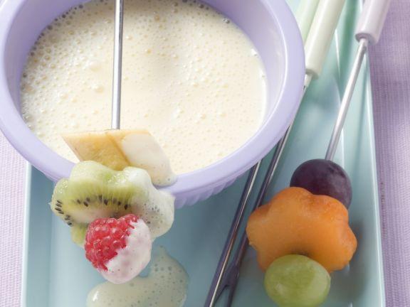Puddingfondue mit Früchten