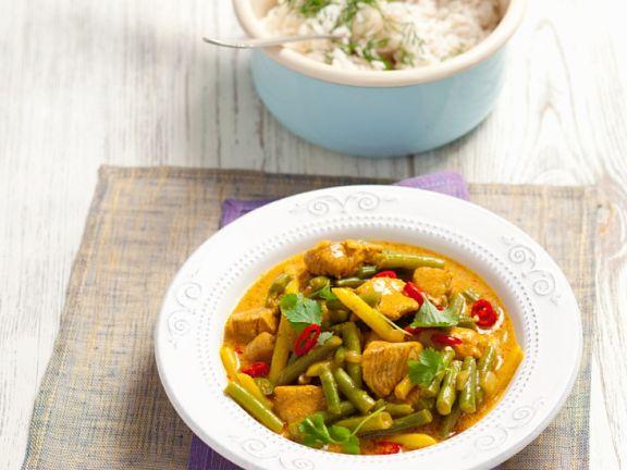 Putencurry mit Ingwer, Chili und Bohnen