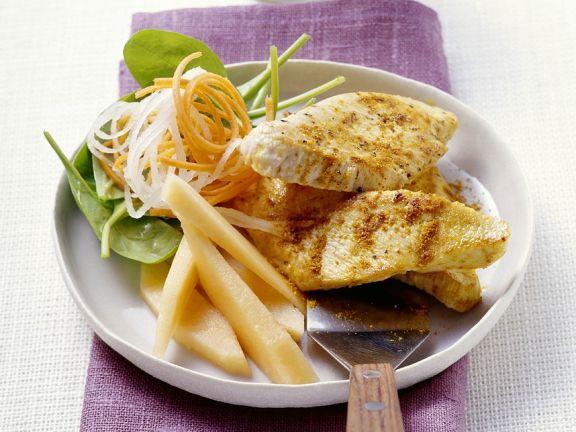 Putenschnitzel mit Gemüsesalat