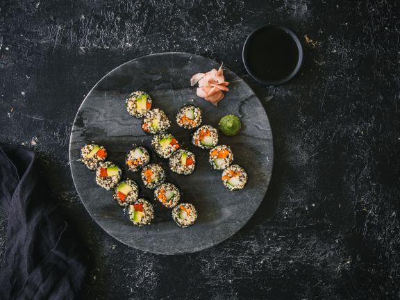 Quinoa-Sushi mit Gemüsefüllung