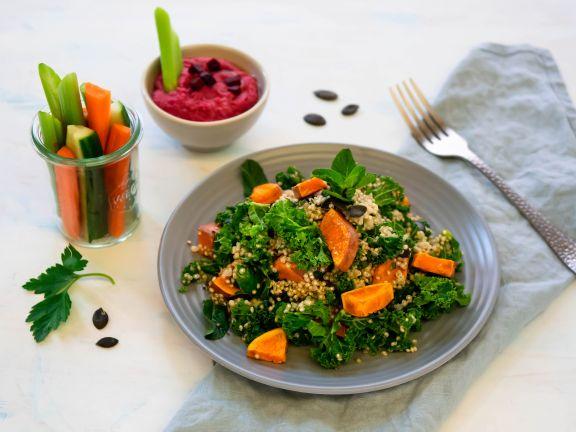 Quinoasalat mit Veggie-Sticks und Rote-Bete-Hummus