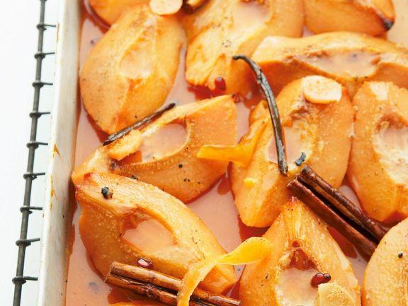 Quitten vom Blech mit Zimt, Vanille und Orangensaft