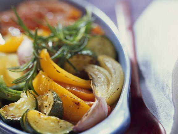 Ratatouille aus dem Ofen mit Paprika, Zucchini und Knoblauch