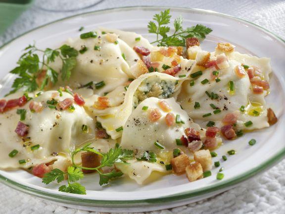 Ravioli mit Kräuterfüllung